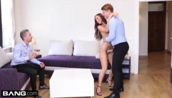 Ebon hotty endures satisfaction from her stud